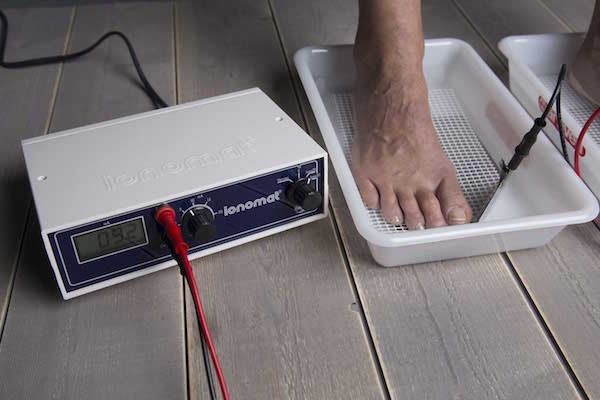TREATMENT TECHNICS BY IONTOPHORESIS